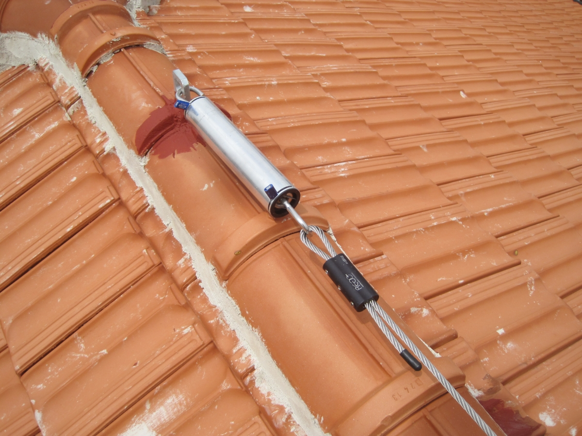 Linea vita su tetti a falde e piano